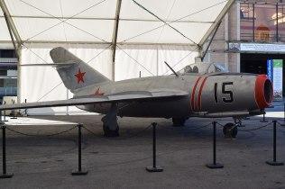 Il MiG 15, l'aereo con cui i sovietici intimidirono gli americani all'inizio della guerra fredda