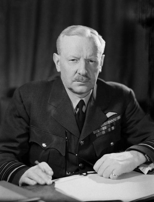 aereo_richard harris comandante del bomber command della raf, soprannominato butcher o bomber