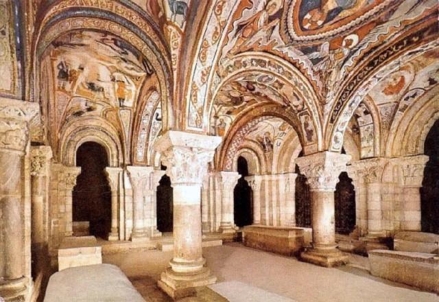 """Urraca5_Il Pantheon dei Re della cattedrale di San Isidoro de León, dove riposano i resti della regina Urraca I """"La Temeraria"""""""